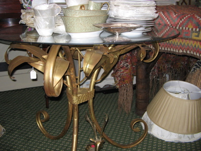 iron leaf table