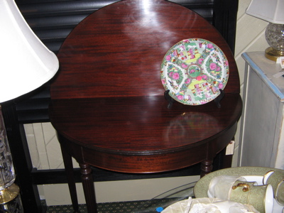 drop leaf sheridan style table-