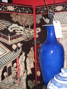 antique coromandel screen, pair blue antique lamps